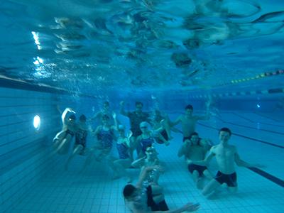 Zwemmers onder water